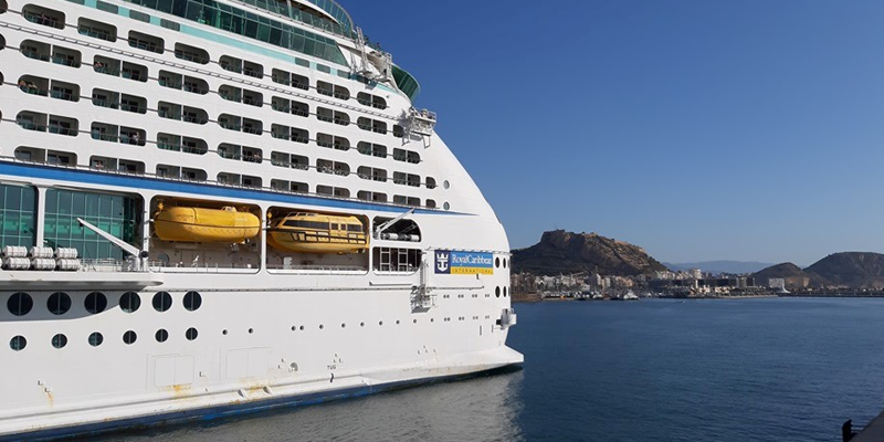 El crucero Explorer of the Seas visita Alicante por primera vez